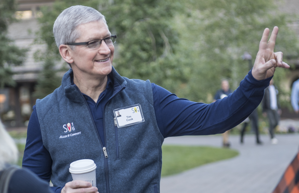 tim-cook-peace-sun-valley